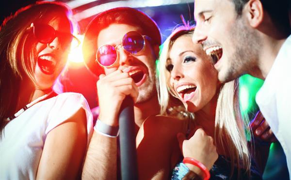 FHWN forscht: Freizeitlärm als Risiko für die Hörgesundheit von Jugendlichen